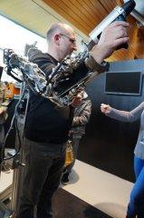 Un bras robotisé, un premier pas vers l'homme cyborg ?